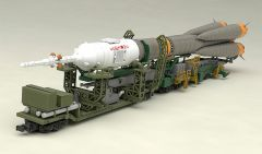 Модель 1/150 Plastic Model Soyuz Rocket & Transport Train изображение 3