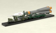 Модель 1/150 Plastic Model Soyuz Rocket & Transport Train изображение 7