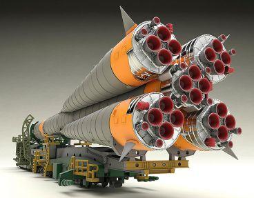 MODEROID 1/150 Plastic Model Soyuz Rocket & Transport Train (2nd re-run) модель